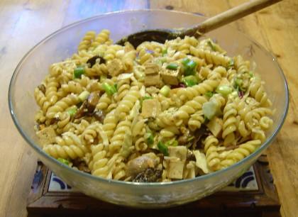a large glass bowl of dan-dan noodles